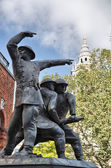 Bronze sculpture near St Paul Cathedral, London — Stock Photo