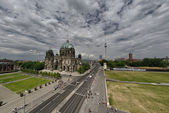 Berliner Dom. Beautiful view of Berlin Cathedral on a summer day — 图库照片