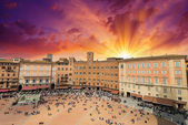 Wonderful aerial view of Piazza del Campo, Siena on a beautiful — Stock Photo