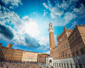 Wonderful wideangle view of Piazza del Campo in Siena, Italy — Stock Photo
