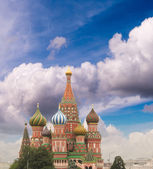 Intercession Cathedral (St. Basil's) of Moscow Kremlin at Red Sq — Stock Photo
