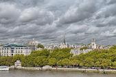 Schöne luftaufnahme von london city und thames river — Stockfoto