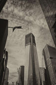View of Freedom Tower and surrounding Buildings, Manhattan — Stock Photo