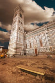 Beautiful view of Campanile in Florence - Piazza del Duomo — Stock Photo