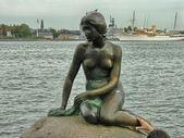 哥本哈根 — — 8 月 11 日: 小美人鱼纪念碑 8 月 11 日 2 — 图库照片