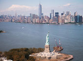 Beautiful aerial view of Statue of Liberty - New York City — Stock Photo