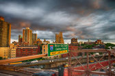 New York City. Terrific sunset view from Brooklyn Bridge with Sk — Stock Photo