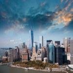 Wonderful summer sunset aerial view of lower Manhattan skyscrape — Stock Photo #28010153