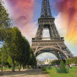 Paris, La Tour Eiffel. Summer sunset above city famous Tower — Stock Photo #28186403