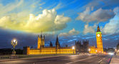 Sunset sky over Big Ben and House of Parliament from Westminster — Stock Photo