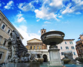 Rome, Italy. Beautiful architectural detail of a famous city square. — Stock Photo