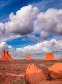 Wonderful view of famous Buttes of Monument Valley at sunset, Utah, USA. — Stock Photo