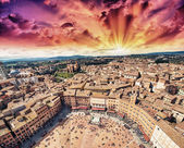 Wonderful aerial view of Piazza del Campo, Siena on a beautiful sunny day. — Stock Photo