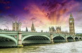 London, storbritannien - palace of westminster (westminsterpalatset) — Stockfoto