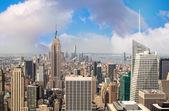 纽约。在从屋顶日落壮观曼哈顿天际线. — 图库照片
