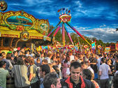 MUNICH, SEP 29: Tourists and local people enjoy Oktoberfest — Stock Photo