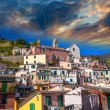 Quaint Village of Vernazza, Cinque Terre. Beautiful colorful hom — Stock Photo