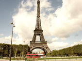 Paris, La Tour Eiffel. Beautiful view of famous tower from Champ — Stock Photo