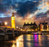 Stunning sunset view of London skyline. The Houses of Parliament. — Stock Photo