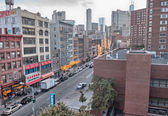 NEW YORK CITY - MAY 20: City streets and traffic on May 20, 201 — Foto Stock