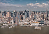 Helicopter view of Midtown West and Hudson river — Stock Photo