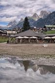 Small town in the heart of Dolomites — Stock Photo