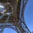 Paris. The Eiffel Tower in winter. La Tour Eiffel — Stock Photo #31363431