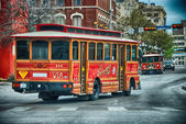 SAN ANTONIO - MAR 24: The Alamo Trolley trasports tourists — Stock Photo