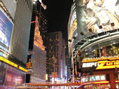 NEW YORK CITY - SEP 28: Lights and advertisements of Times Squar — Stock Photo