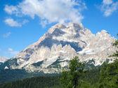 Underbar himmel ovanför monte cristallo - italienska dolomiterna — Stockfoto