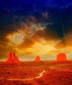 The Monument Valley, Utah. Beautiful landscape at summer sunset — Stock Photo