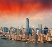 Aerial view of Lower Manhattan and Battery Park — Stock Photo
