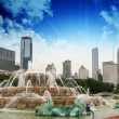 Fountain and Skyscrapers of Chicago - Illinois - USA — Stock Photo