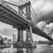 The Manhattan Bridge, New York City. — Stock Photo #32719961