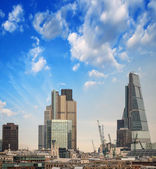 London skyline. Modern buildings on the southern side of Thames — Stock Photo