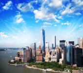 Lower Manhattan skyline and buildings. — Stock Photo