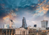 London, UK. Beautiful sunset view of city modern skyline — Stock Photo