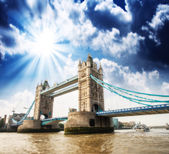 Beautiful view of magnificent Tower Bridge, icon of London, UK. — Stock Photo