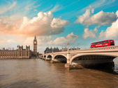 Westminster Bridge and Houses of Parliament at sunset, London. — Stock Photo