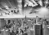 New York'ta muhteşem gün batımı. — Stok fotoğraf