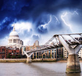 The Millennium Bridge and St Paul Cathedral. — Stock Photo