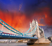 Magnificence of Tower Bridge in London. — Stock Photo