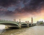 Westminster Bridge and Big Ben — Stock Photo