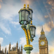 London. Classic street lamps against Palace Of Westminster and B — Zdjęcie stockowe