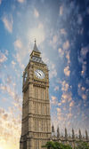 London. Magnificence of Big Ben Tower in the Westminster Palace — Stock Photo