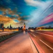 London, Famous Westminster Bridge at sunset with Houses of Parli — Stock Photo