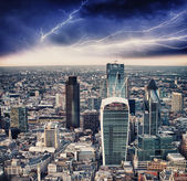 Storm in London. Bad weather over city skyline — Photo