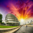 Sunset in London. City Hall area with promenade along River Tham — Stock Photo #34634551