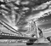 Sunset above famous Tower Bridge - London — Stock Photo