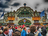 MUNICH, SEP 29: Tourists and local people enjoy Oktoberfest, Sep — Stock Photo